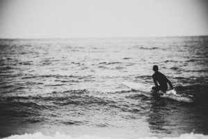 surfing_-_black_and_white-3055